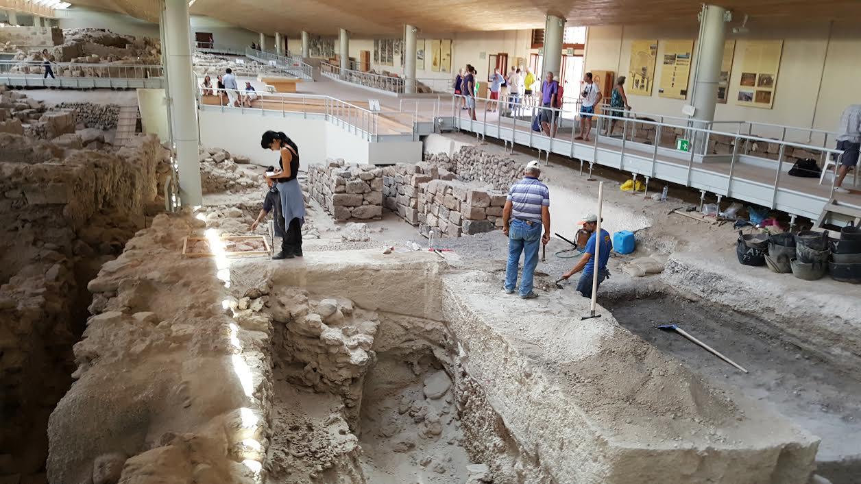 Ο χώρος όπου είχε βρεθεί το χρυσό ειδώλιο και πλέον συνεχίζεται η αρχαιολογική έρευνα