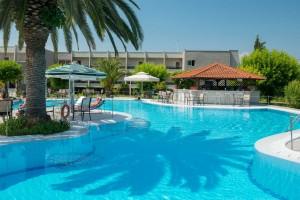 hotel-aethria-pool-04